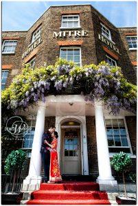 Wedding-Photography-Hampton-Court-Palace_0019