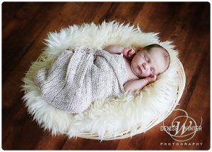 Newborn-Photographer-in-Surrey-004