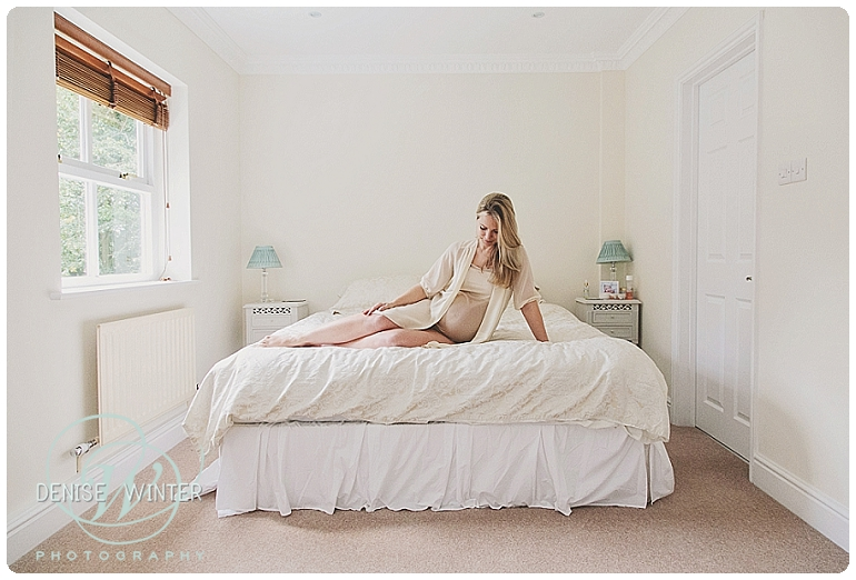Maternity Photographer in Ascot