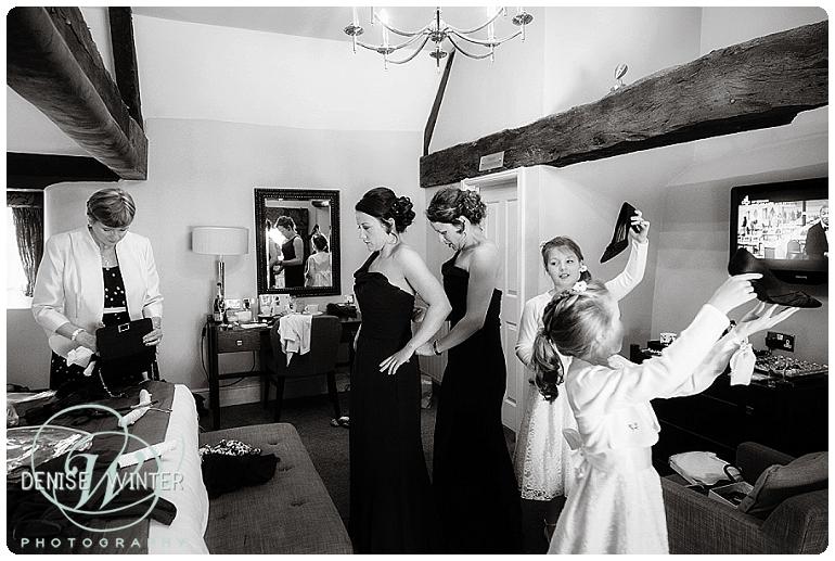 Bridal preparations oxfordshire wedding photographer