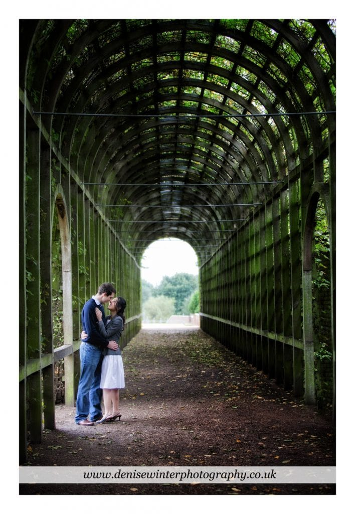 Engagement-Shoot-Hampton-Court-Palace-1