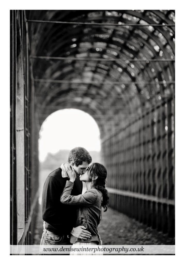 Engagement-Shoot-Hampton-Court-Palace-3