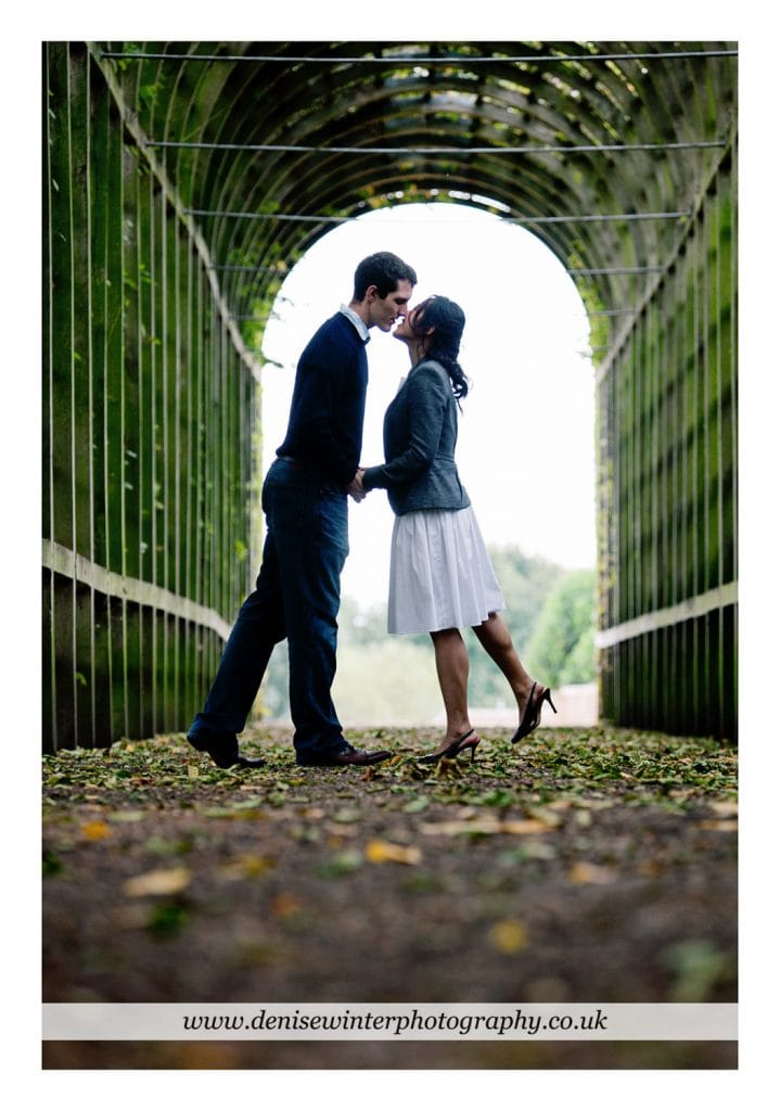 Engagement-Shoot-Hampton-Court-Palace-5