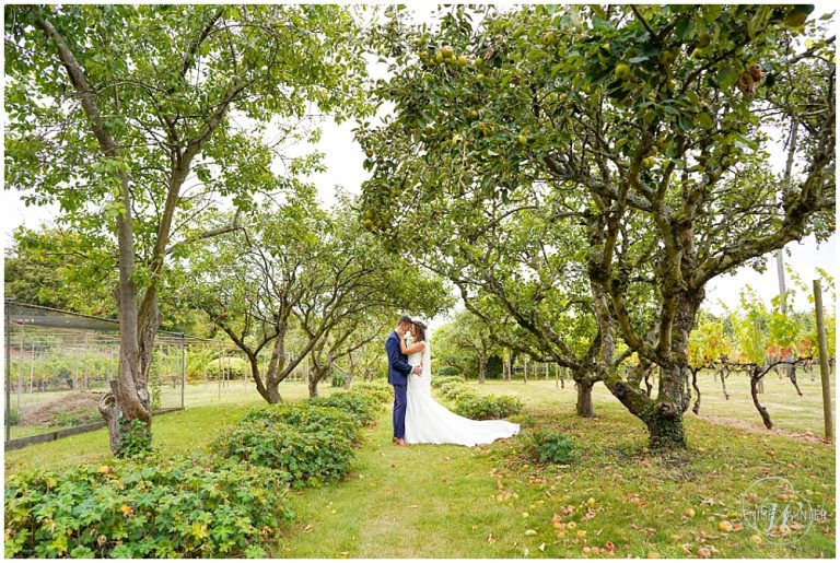 Stanlake Park Vineyard Wedding – Hannah + Rohan